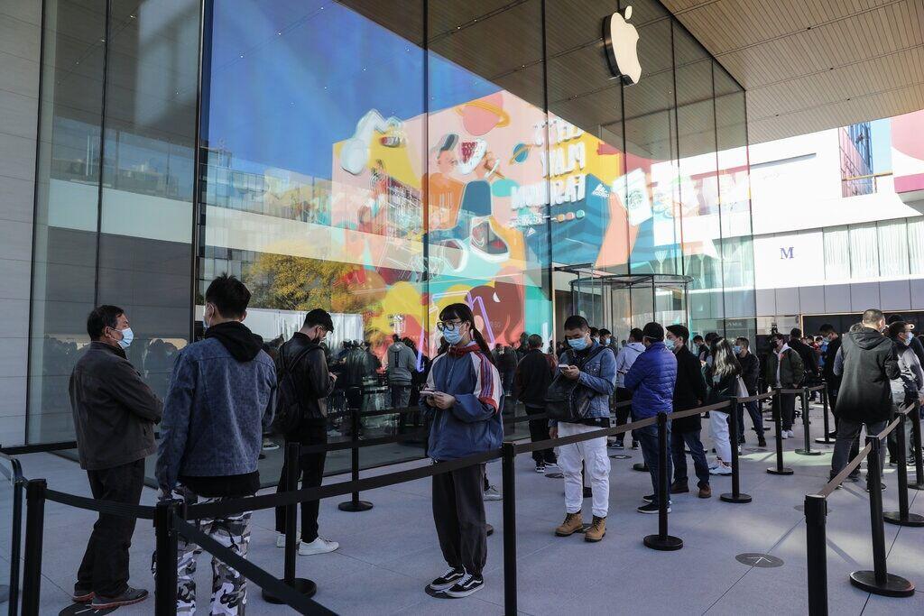 درآمد فصلی «اپل» از مرز ۱۱۰ میلیارد دلار عبور کرد  تعداد آیفونهای فعال در جهان بیش از یک میلیارد دستگاه