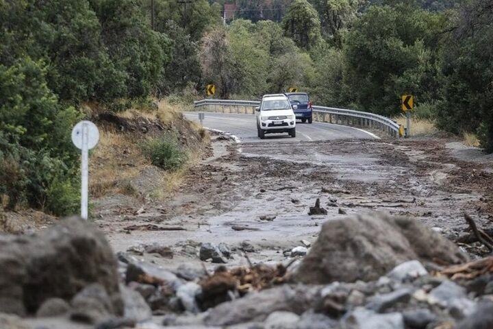 خسارت سیل به۵۵ کیلومتر از راههای اصفهان/ ۳محور همچنان مسدود است