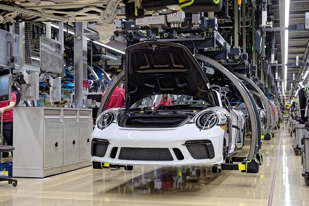 شرکت خودروسازی پورشه در مالزی کارخانه مونتاژ ایجاد میکند