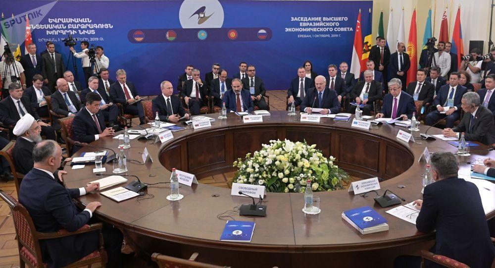 اتحادیه اقتصادی اوراسیا با ایران و هند مذاکره می کند