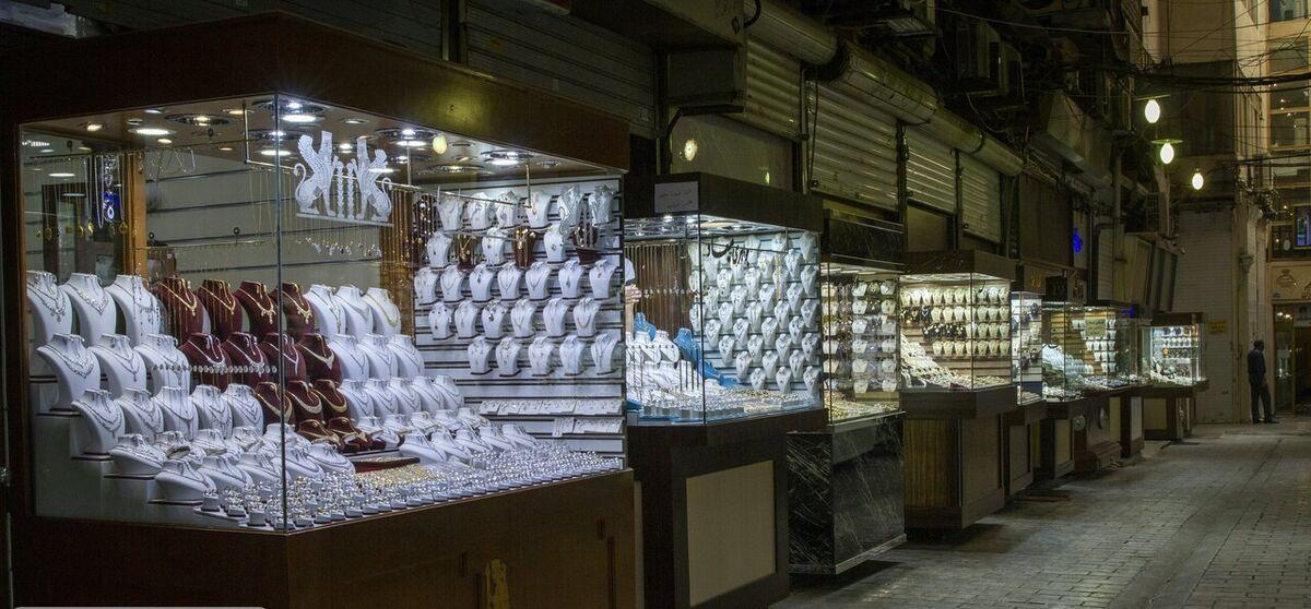 بازار طلا در مسیر ابهام آلود خرید یا فروش| متقاضیان همچنان از خرید می ترسند