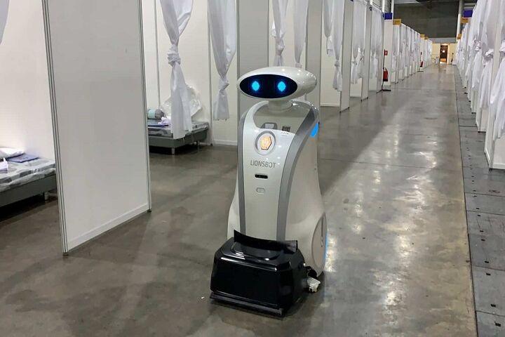 ربات لطیفهگو 1