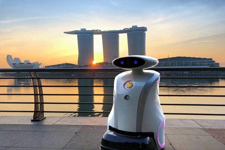 ربات لطیفهگو 11