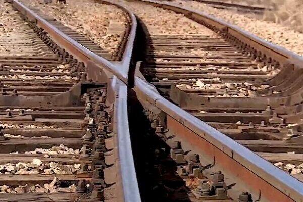 ترمیم خط ریلی قطار باربری ایران و پاکستان
