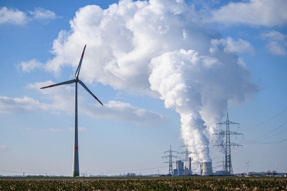 زیان ۱۳ تریلیون دلاری کشورهای نفتی از حرکت جهان به سمت انرژی های پاک