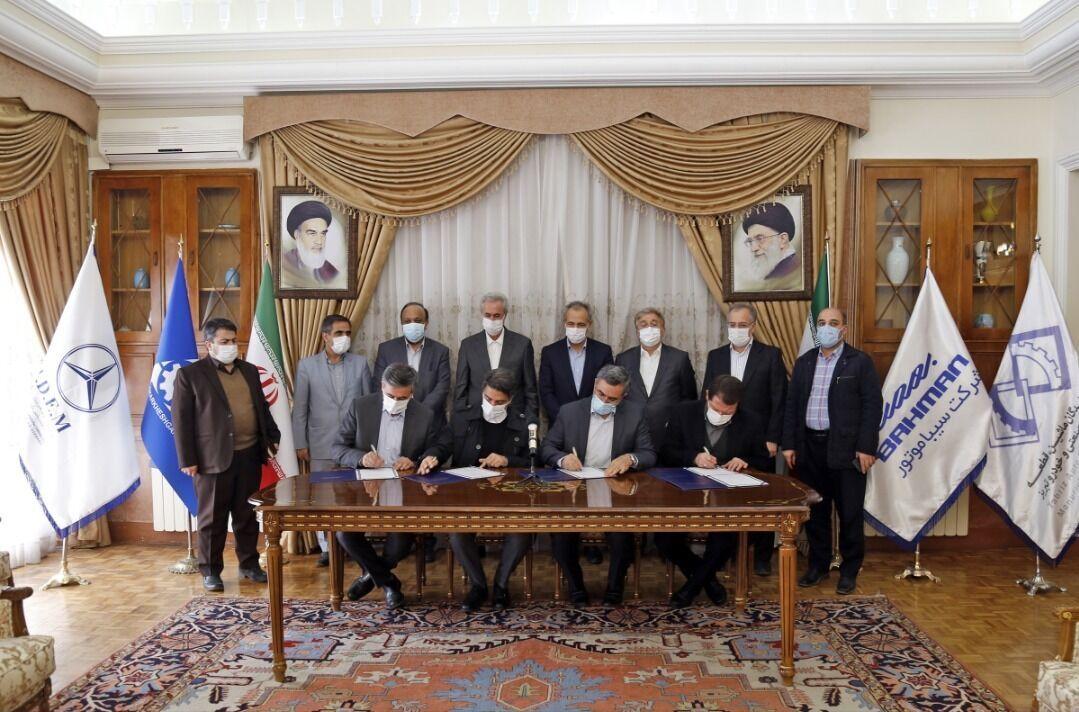 فعالان صنعت خودرو در آذربایجان شرقی تفاهمنامه همکاری امضا کردند