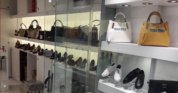 بازار راکد «کیف و کفش» در خراسان شمالی/ مردم فقط در صورت نیاز خرید می کنند