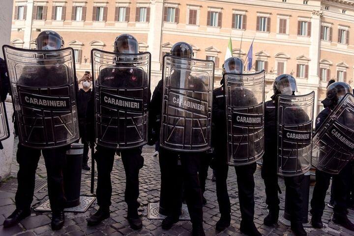 اعتراض در ایتالیا 4