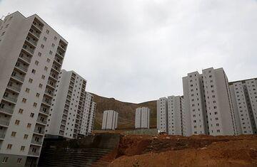 پایتخت مسکن مهر با انبوهی از واحدهای نیمه تمام| مدیر عامل شهر پرند: ۶۲۰۰ مسکن مهر باقی مانده است