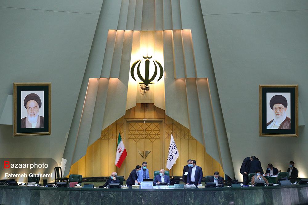 وزارت نفت مجاز به انتشار اوراق مالی- اسلامی برای پرداخت بدهی پیمانکاران نفتی شد