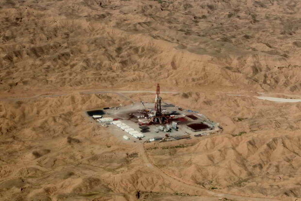 سرمایه گذاری یک هزار و ۲۵۷ میلیون یورویی در میدان نفتی آذر