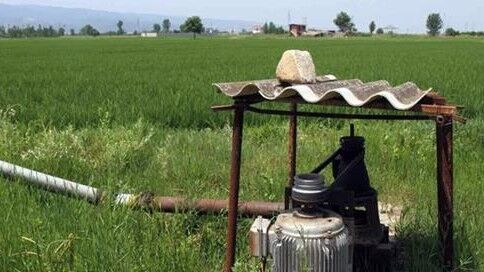 اشتراکهای چاه آب کشاورزی استان سمنان از برق رایگان برخوردار می.شوند