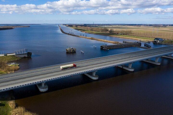 پل آبی 5