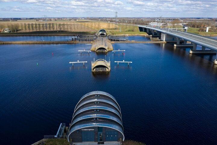 پل آبی 7