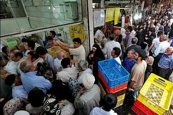 مرغ در تبریز صف خرید شد  قاچاق اتوبوسی گوشت مرغ به دیگر استانها
