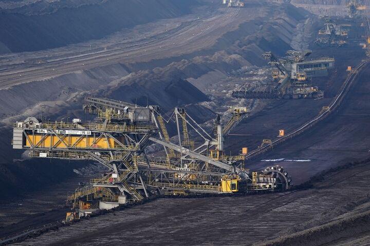ثبت نخستین معامله زغال سنگ شرکت پروده طبس در بورس انرژی