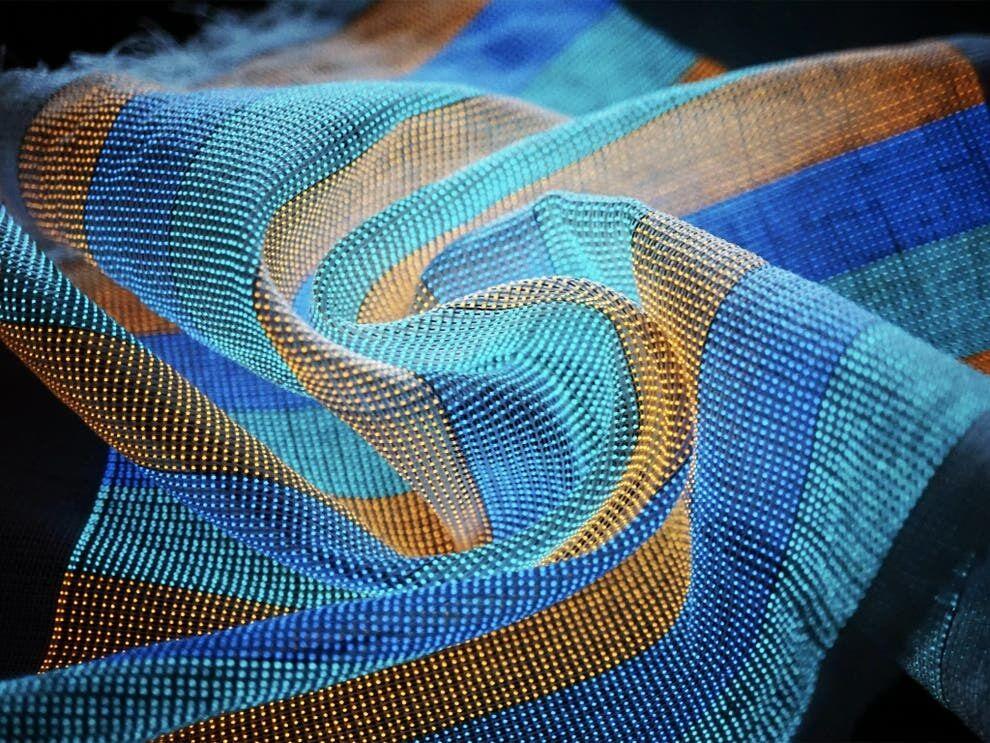 تحول در آینده پوشاک با پارچه الکترونیکی هوشمند