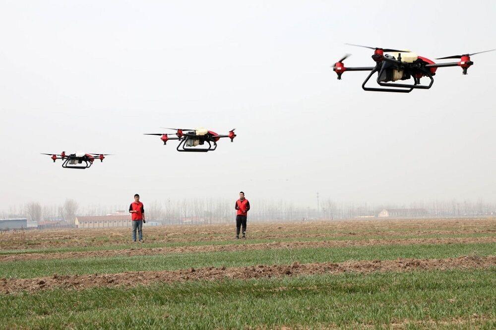 آغاز کاشت بهاره کشاورزان چینی با پهپاد