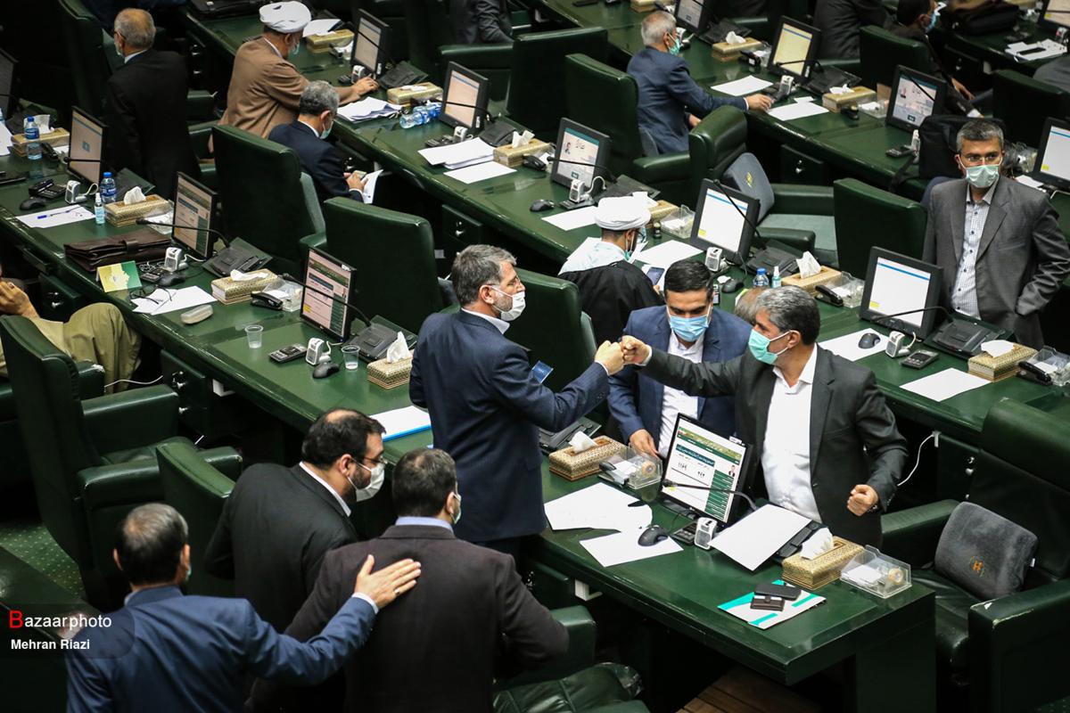 ارجاع لایحه درآمد پایدار و هزینه شهرداریها به کمیسیون شوراها
