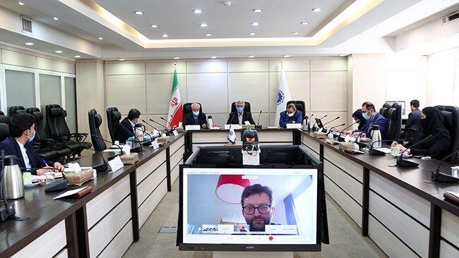 ایران و اروپا در حوزه سرمایهگذاری، بازاریابی و آموزش همکاری کنند
