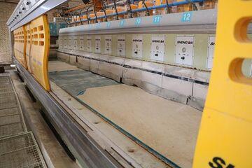 پای لنگ قطب صنعتی ایران در صادرات سنگ؛ از خام فروشی تا واردات سنگ قبر چینی