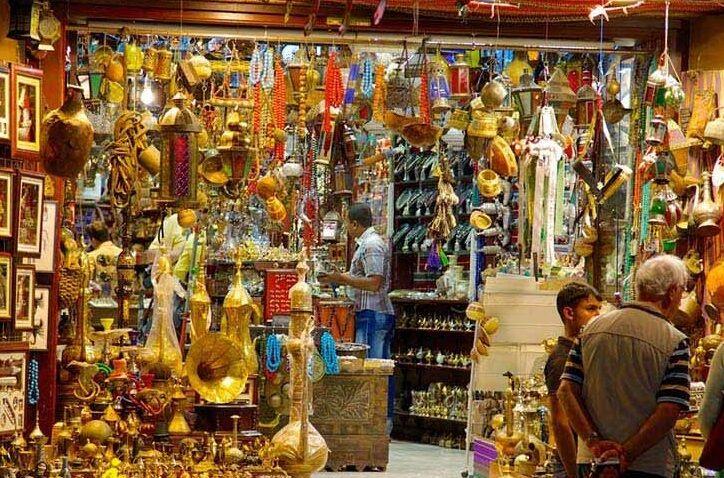 کالاهای چینی در سبد سوغات مشهد؛ جای نمادهای خراسانی خالی است