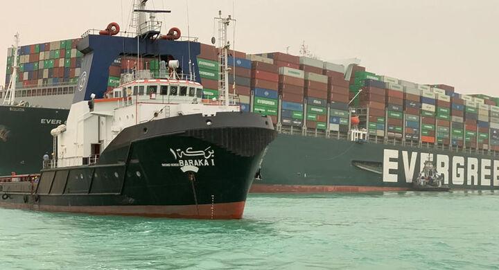 ۳۲۱ کشتی در صف انتظار برای عبور از کانال سوئز