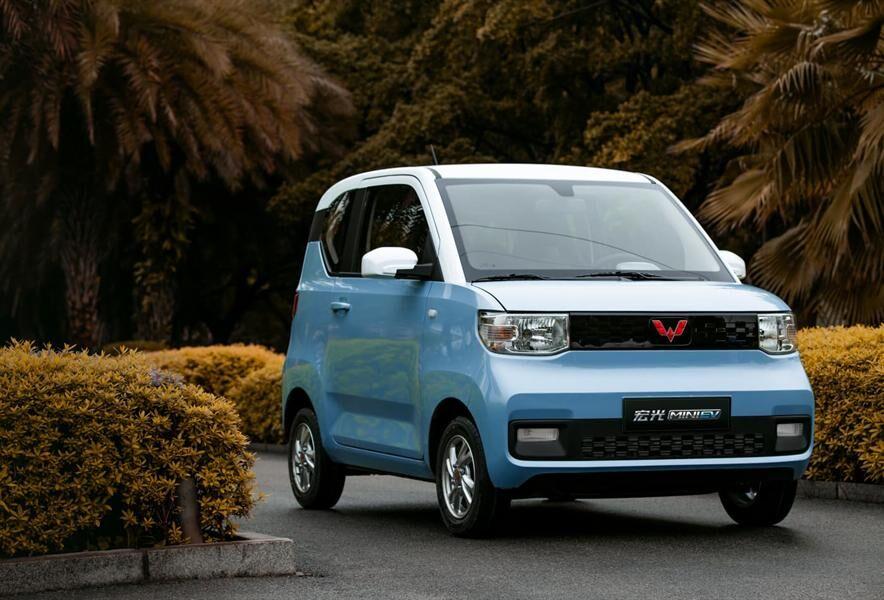 ماشین برقی چینی ها ارزان تر از پراید!  فروش خودروهای الکتریکی چشم بادامی ها از تسلا سبقت گرفت 