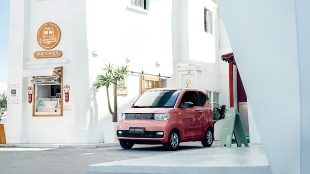 ماشین برقی چینی ها ارزان تر از پراید! |فروش خودروهای الکتریکی چشم بادامی ها از تسلا سبقت گرفت|