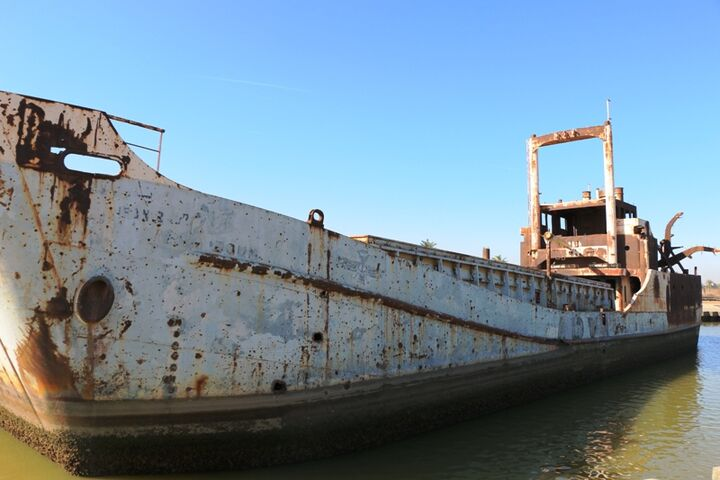 حذف «کشتی متروکه مینوشهر» ضربهای مهلک به گردشگری؛ مردم مخالفند