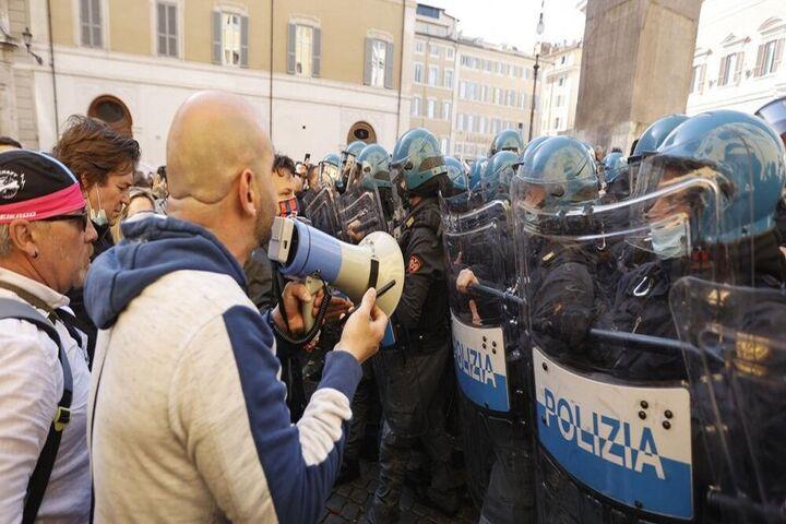 اعتراضات ایتالیا 1