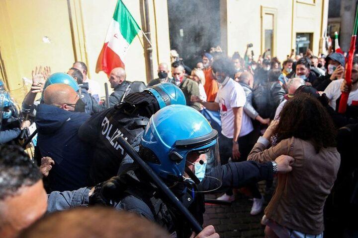 اعتراضات ایتالیا 3