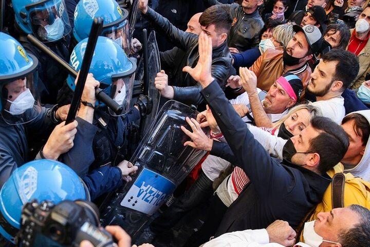 اعتراضات ایتالیا 5