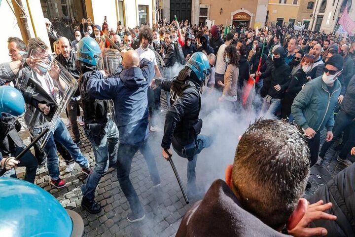 اعتراضات ایتالیا 6