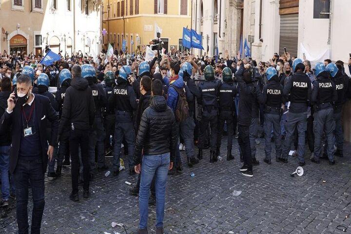 اعتراضات ایتالیا 9