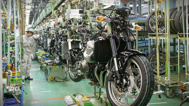 انتظار افزایش ۳۰ درصدی بهای موتورسیکلت و قطعات در بازار  مشتریان به دنبال تعمیر به جای خرید هستند