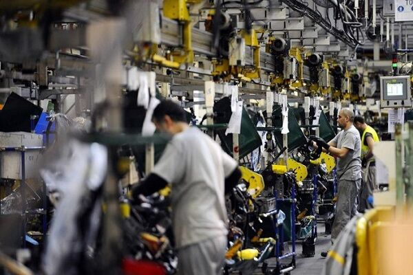 قوانینی که مانع تولید شدهاند| نرخ سود سرمایهگذاری در تولید انگیزاننده شود