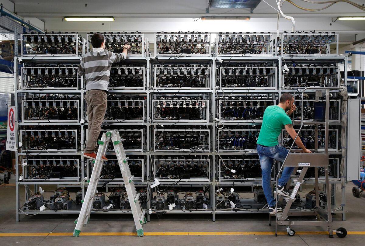 چرا مصرف برق رمز ارزها ۳ برابر شد؟ | سود ۵۵۵ میلیون تومانی ماینرهای قاچاق