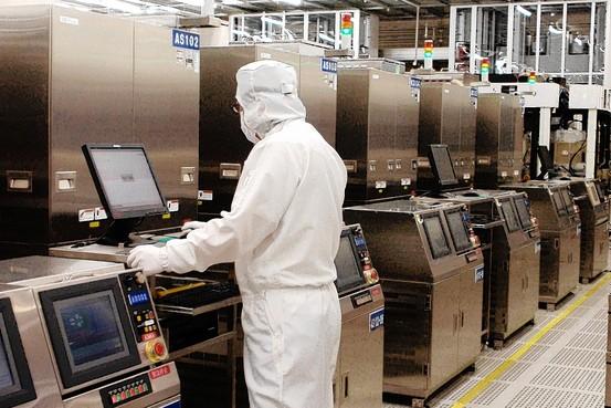 رونساس ظرفیت تیراژ تولید تراشهها را بازیابی میکند  بحران کمبود قطعات نیمه هادی کاهش مییابد