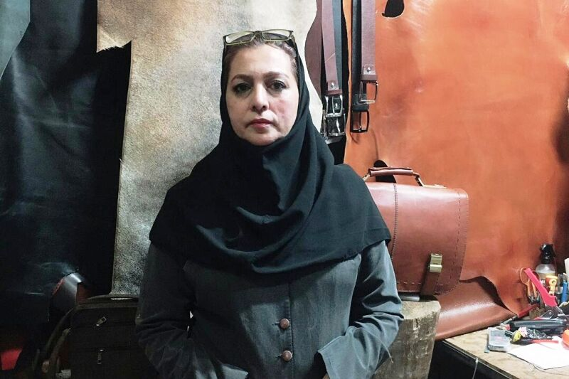 دولت اولین مشتری صنایع دستی باشد