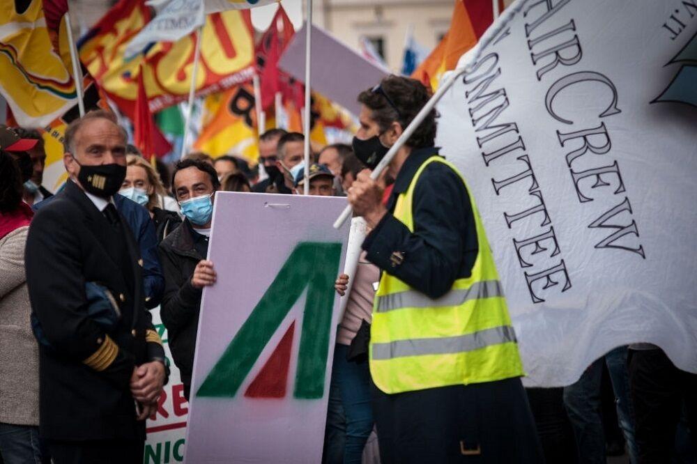ایتالیا خواستار توقف اعمال محدودیتها و نجات گردشگری شد