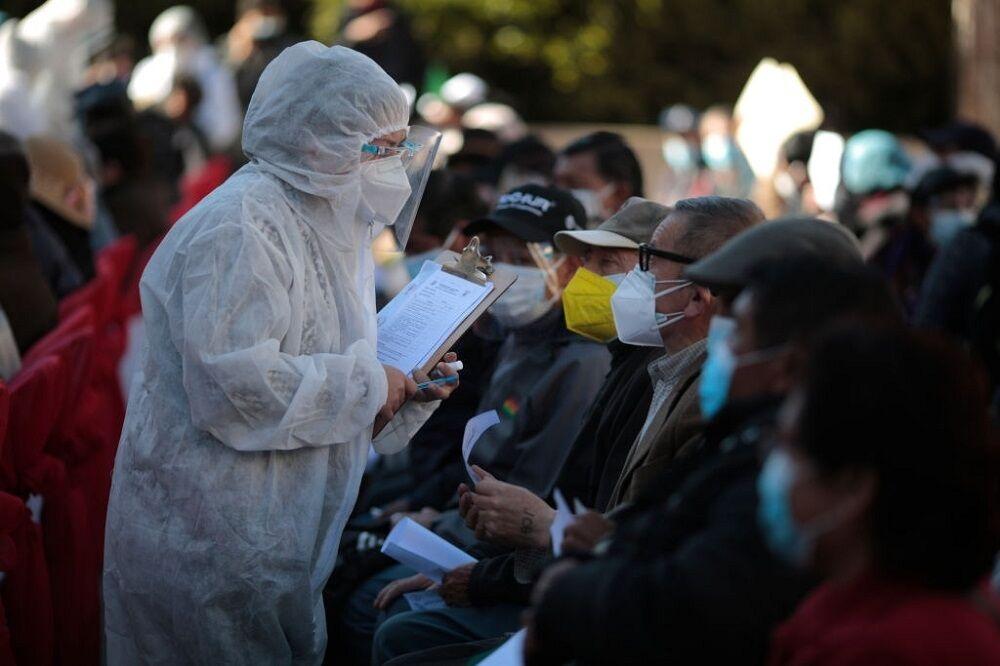 آغاز واکسیناسیون سالمندان در بولیوی