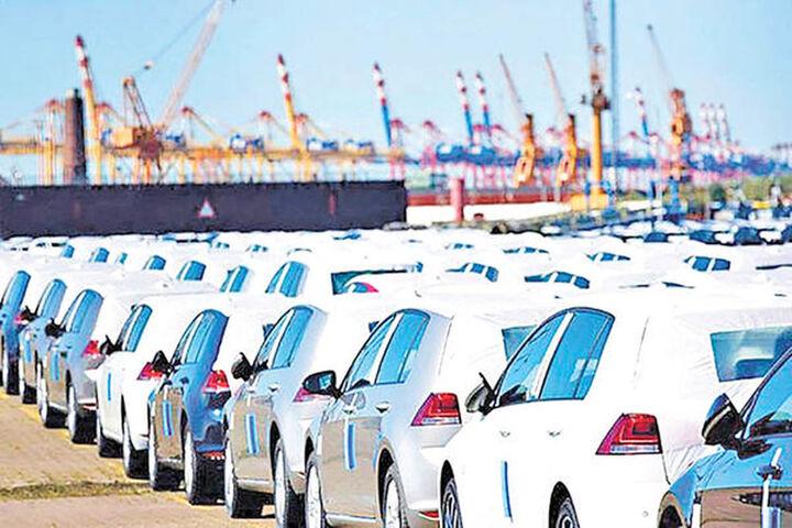 حمایت دولت از خودروسازان با جلوگیری از واردات خودرو چه تاثیری در بازار داشته است؟
