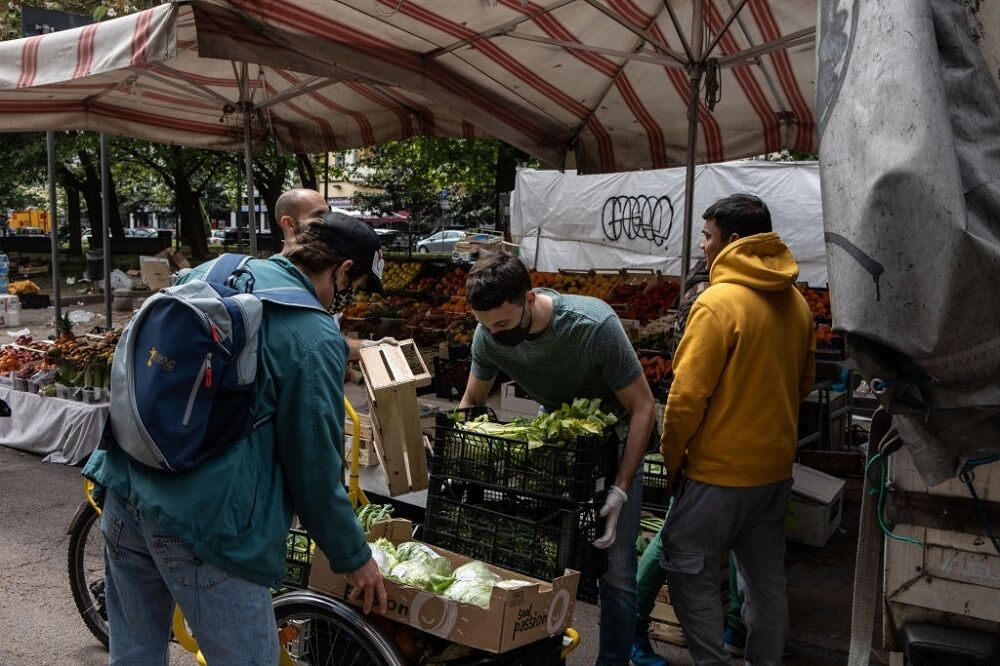 خیریه مبارزه با اتلاف مواد غذایی در میلان
