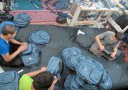 کوله مشکلات بر دوش سراجان؛ بازار کیف مشتری ندارد