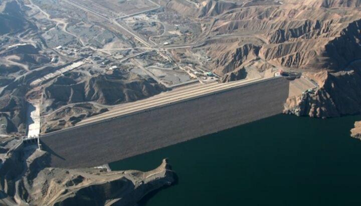 کارشناسان: جانمایی اشتباه سدها و خسارت به کشور| وزارت نیرو: مدیریت سیلاب ها با سدها میسر شد!