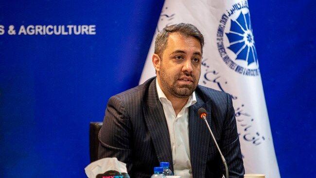 وزیر بهداشت در مورد تخصیص ارز ۴۲۰۰ تومانی به شرکتهای داروسازی شفاف سازی کند