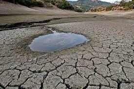 خشک شدن آب چشمهها و رودخانههای ایوان| برداشت از چاهها متوقف شود