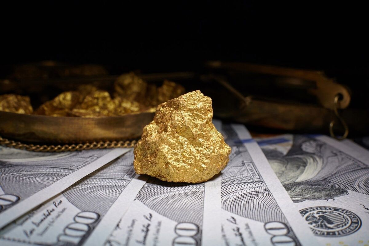 قیمت جهانی طلا تا هزار و ۷۷۵ دلار پایین آمد