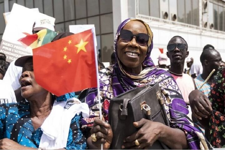 تعویق بازپرداخت بدهی کشورهای در حال توسعه از سوی چین  عرضه واکسن چینی در ۴۰ کشور آفریقایی